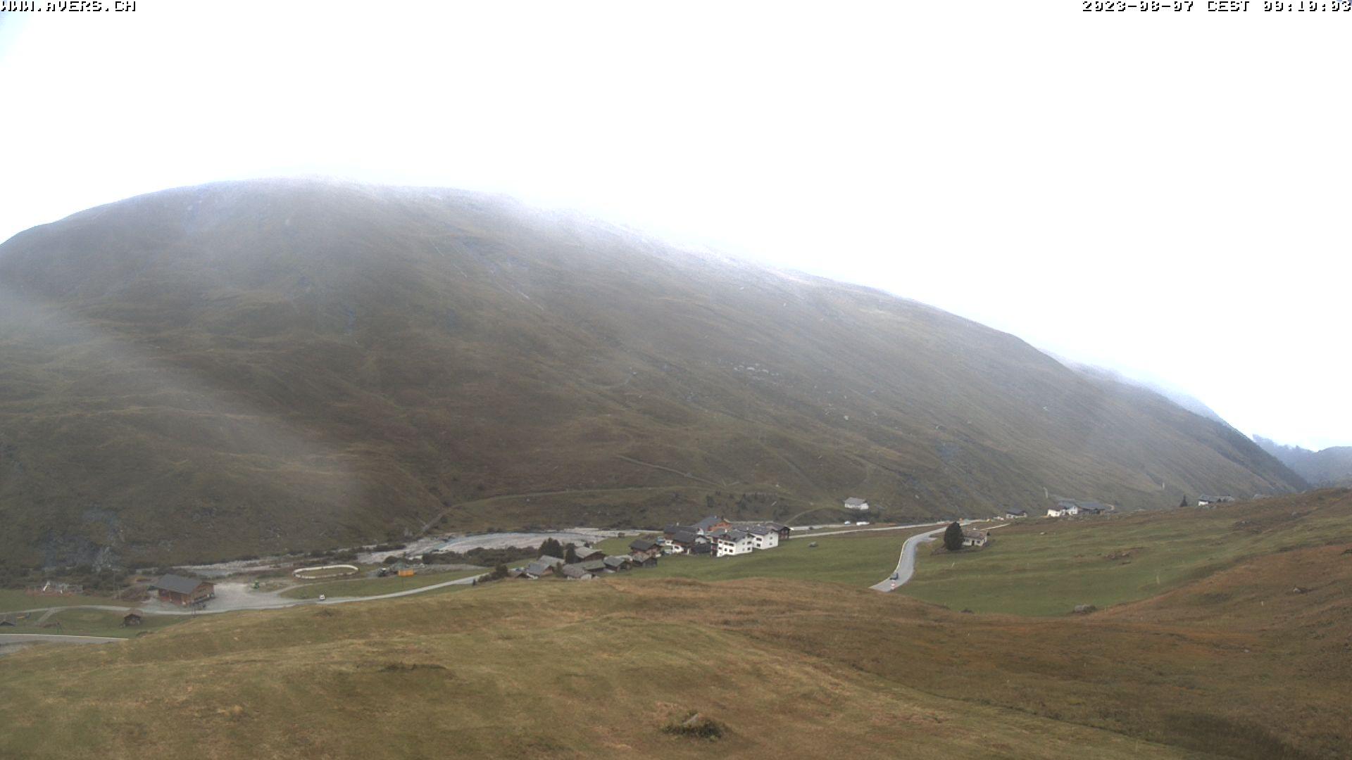 Grossansicht 09h - Avers Skilift Cavetta mit Sicht in die Bregalga.